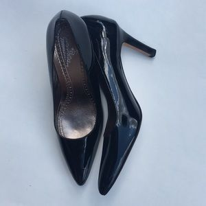 Brooks Brothers Patent Leather Black Pumps Size 6